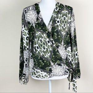 soho New York & Company Tie Long Sleeve Blouse